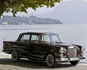 Mercedes De Collection : mercedes 190 w110 heckflosse vintage old timer pinterest voiture and voitures de collection ~ Melissatoandfro.com Idées de Décoration