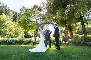 Our 9 best outdoor wedding photography tips bergreen for Outdoor wedding photography tips