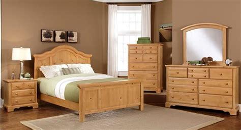 advantages solid wood furniture