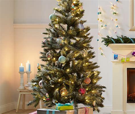 2 weihnachtsbaum kugeln bei tchibo