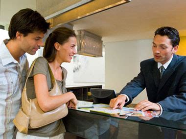 hotel front desk clerk 13 hotel secrets you need to know reader 39 s digest