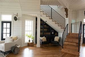 Magnolia Fixer Upper : magnolia house fixer upper bed breakfast hello lovely ~ Orissabook.com Haus und Dekorationen