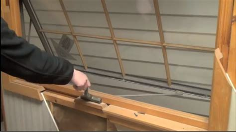 instructional  repair tutorials home improvement   doors