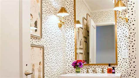 Decorating Ideas For Small Bathroom by 13 Pretty Small Bathroom Decorating Ideas You Ll Want To