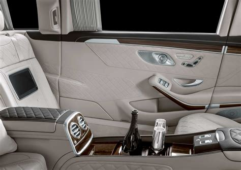 Gallery of 12 high resolution images and press release information. New Mercedes-Maybach Pullman looks as classy as a pinstriped suit - Autodevot
