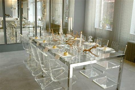 le de bureau kartell les chaises transparentes et l 39 intérieur contemporain