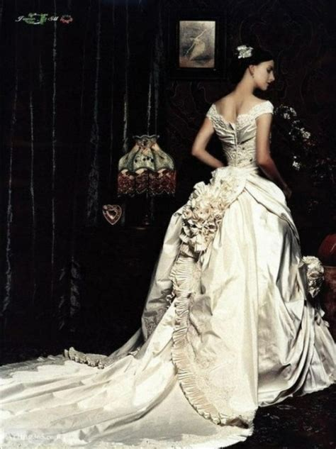 Baroque / Marie Antoinette Wedding Styles & Ideas