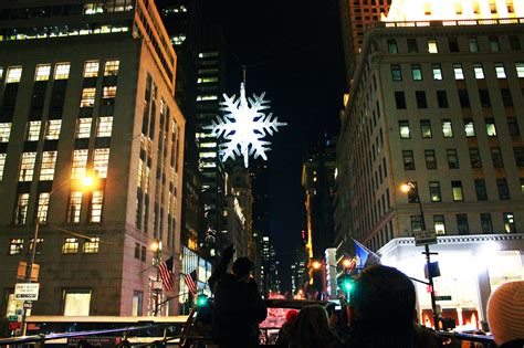 when is the christmas tree lighting nyc when is the 2014 rockefeller center christmas tree