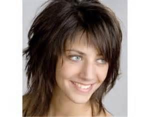 coupe de cheveux pour visage ovale coupe de cheveux mi pour visage ovale