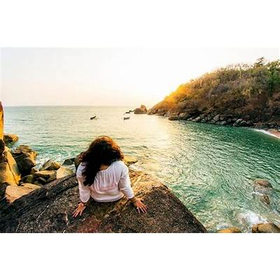 15 Happening & Famous Beaches In Goa (Updated List)