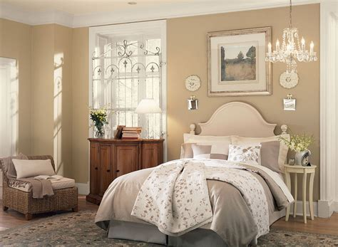 Sunny Bedroom In Neutral Paint Colors Viahousecom