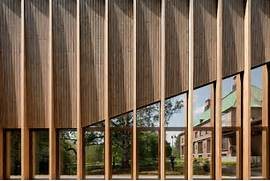 Serlachius Museum Gosta Extension MX SI Huttunen Lipasti Pakkanen Home With Recycled Wood Exteriors And Interiors Modern House Designs Maly Nowczesny Wspolczesny Modny Dom Domek Pomysly Projekty Ma Y Dom Modern House Exterior With Bay Windows Decorative Lighting House