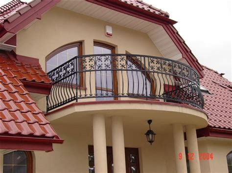 simple homes with balconies placement cast balcony