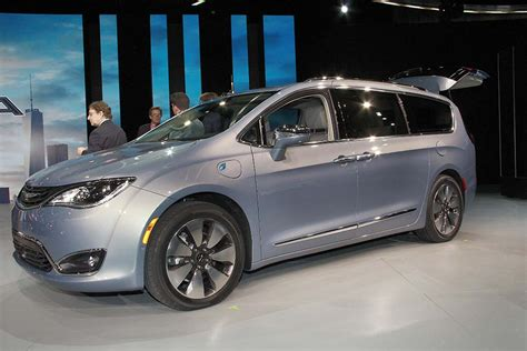 pacifica siege chrysler drops price on all pacifica