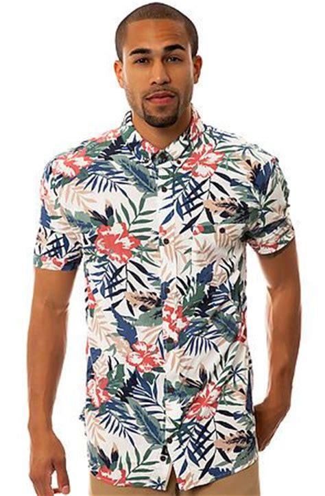 The Guide to Wearing a Hawaiian Shirt | Attire Club by Fu0026F