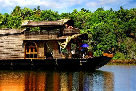 Kerala Tourism Alleppey Boat House by 20 Interesting Things To Do In Alleppey Backwaters