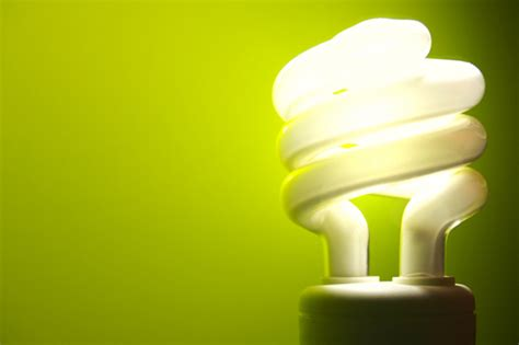 three easy steps to clean up a broken cfl bulb