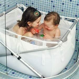 Baignoire Pour Douche Bébé : baignoire enfant pliante pour la douche decoclico ~ Melissatoandfro.com Idées de Décoration