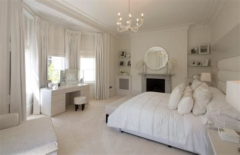 White Bedroom Decorating Ideas-theradmommy.com