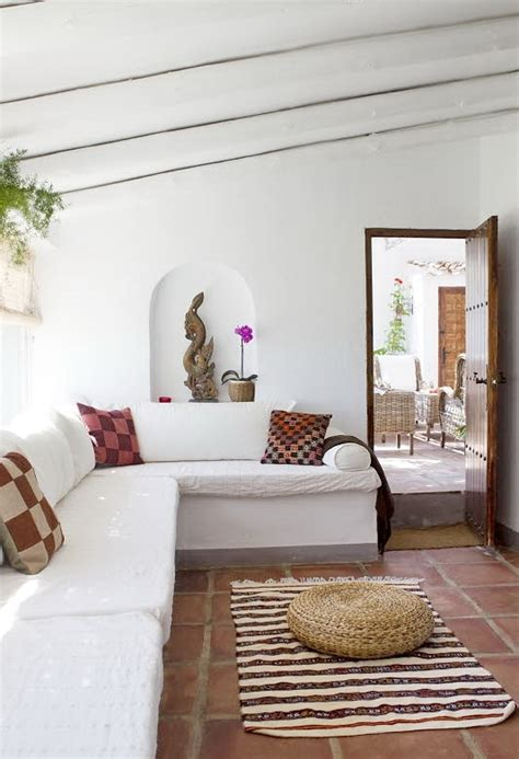 cute spanish country house  rustic style digsdigs