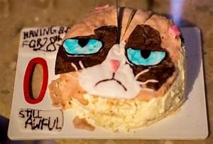 Pin Grumpy Cat Goes Shopping Cake on Pinterest