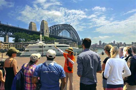 travel bureau earn as a city tour tourist guide