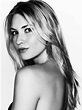 beautyfetishist: Zoe Hobbs
