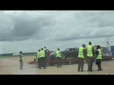 Your destination for buying bugatti. $2 Million Bugatti Veyron lands in Zambia - Pictures - YouTube