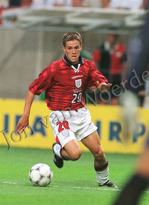 englands micheal owen  action  columbia  lens france   fifa world cup france