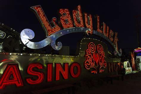 neon museum brings broken signs life brilliant nighttime immersive