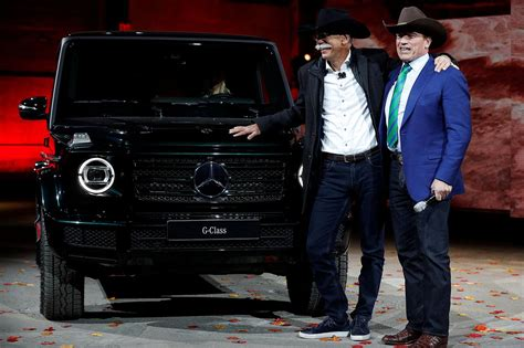 iconic mercedes benz  class suv  electric