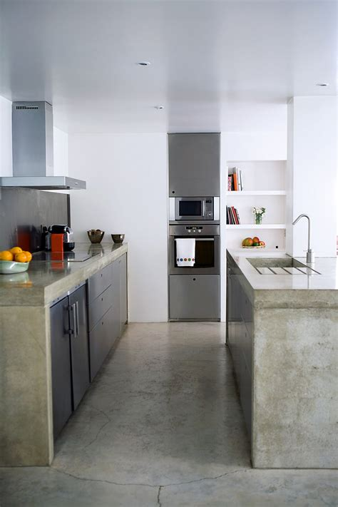 cuisine bois beton dans la cuisine béton ciré sur carrelage est ce