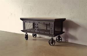 Meuble Design Industriel : personnalisez votre salon avec le meuble tv industriel ~ Teatrodelosmanantiales.com Idées de Décoration