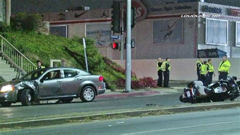 Lapd Motorcycle Officer Injured In Car Van Nuys Accident