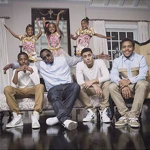 P.Diddy shares beautiful photo with his 6 children ...
