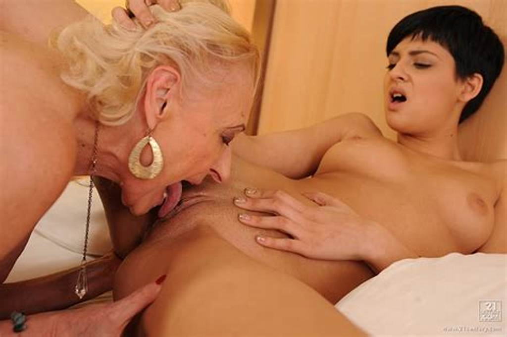 #Coco #De #Mal #And #Hot #Grandma #Making #Lesbian #Love