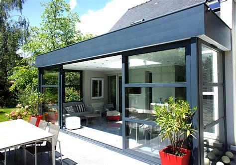 veranda moderne toit plat wordmark