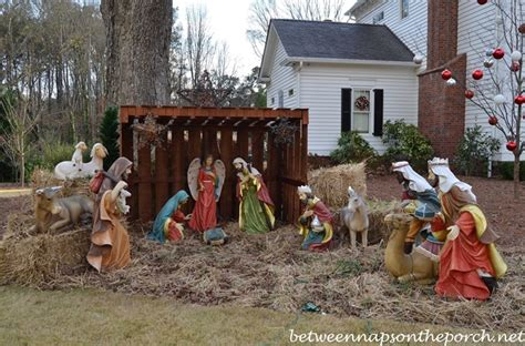 Home Interior Nativity Scene : Governor Roy And Marie Barnes' Home Decorated For Christmas