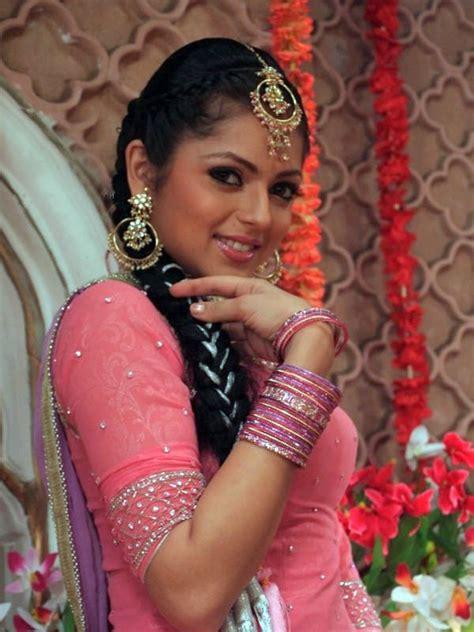 Indian Tv Actress Drashti Dhami Biography Age Height
