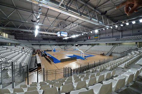 salle sportive m 233 tropolitaine en lumi 232 re 224 rez 233 light