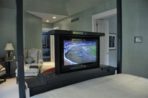 Footboard Tv Stand by Retractable Tv Installed In The Footboard Bedrooms In