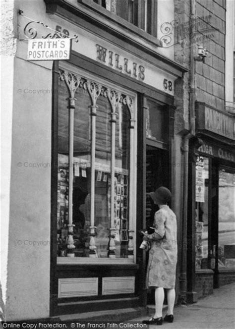 Totnes, Shop In East Gate 1928 - Francis Frith