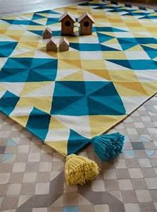 Tapis Jaune Et Bleu : tapis laine moderne invitez les couleurs et le style ~ Dailycaller-alerts.com Idées de Décoration