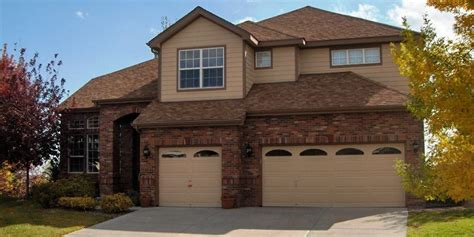 exterior paint colors that go with brown brick home painting