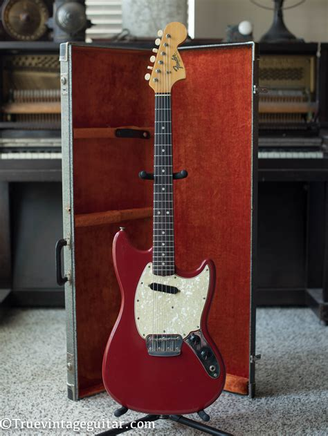 fender musicmaster ii red true vintage guitar