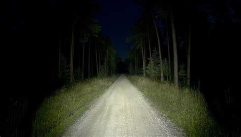Illuminazione E Luci Per Correre Di Notte  Lumen, Peso E