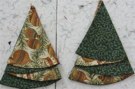 christmas tree napkins fold pattern christmas tree napkin lyn brown s quilting 7263