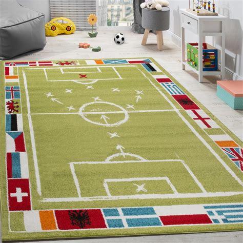 kinderteppich fussball design kurzflor fussballfeld