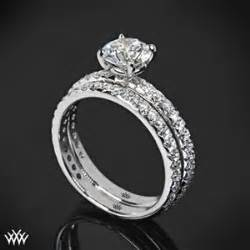 Engagement Ring Vs Wedding Ring - (What's The Difference?