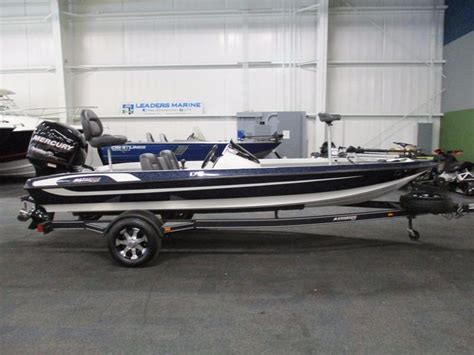 Stratos Bass Boats Dealers by 2013 Used Stratos 176 Vlo Bass Boat For Sale 17 999